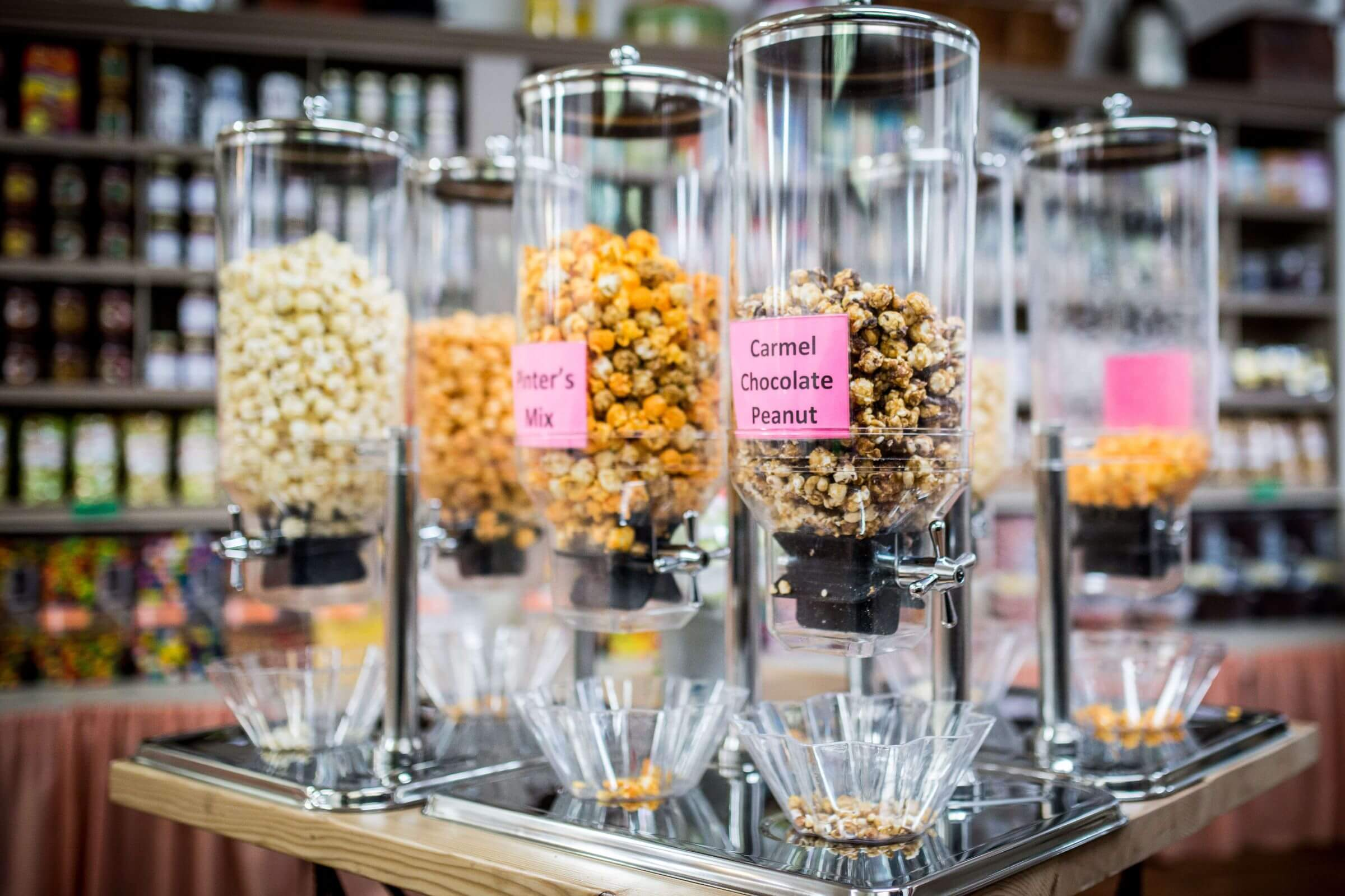 Containers of popcorn at the Pinter's Candies & Gifts Shop