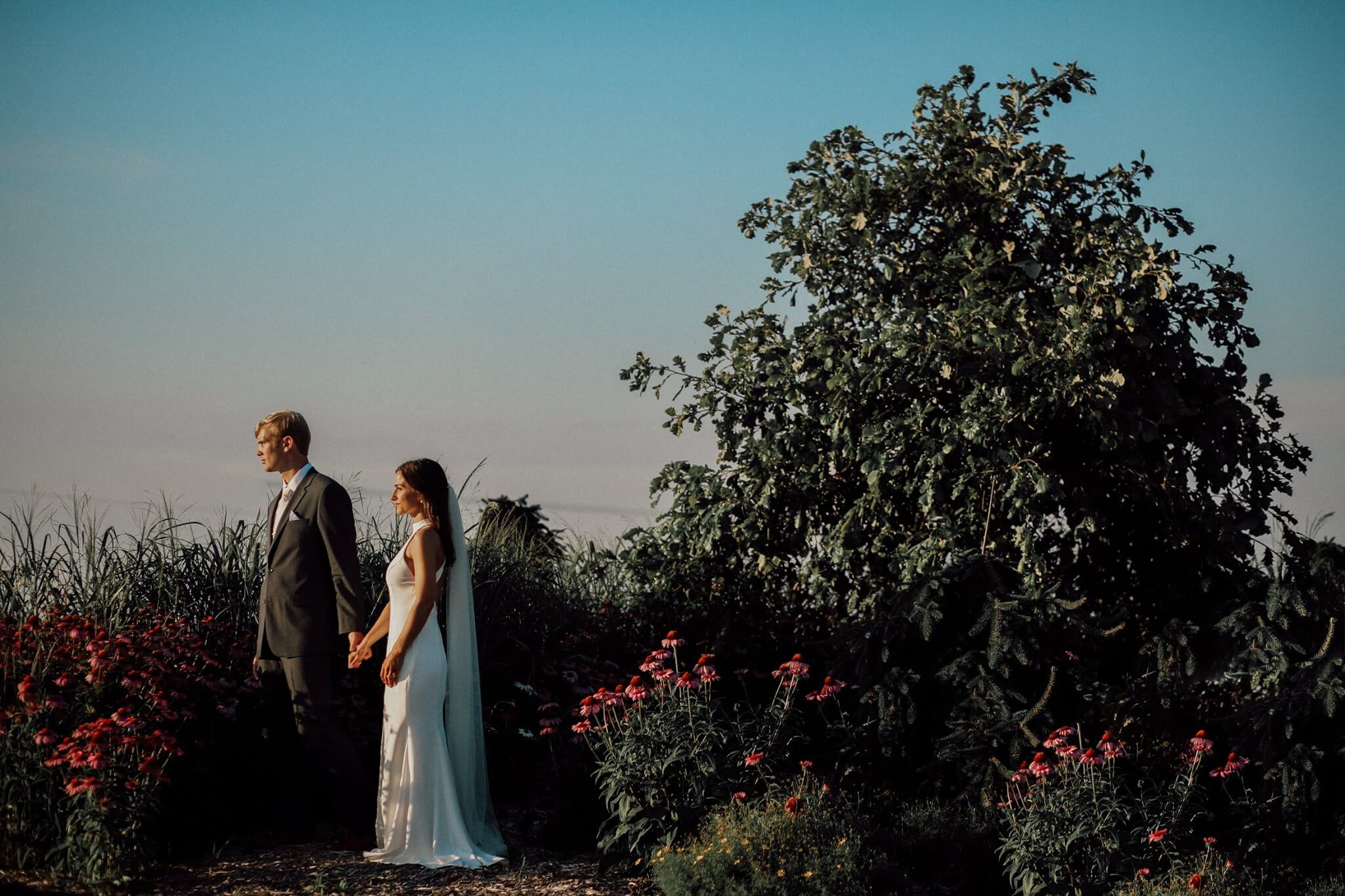 Wedding couple at Pinter's Garden